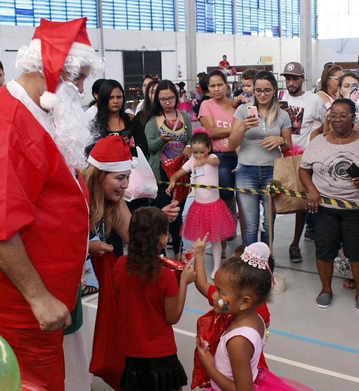 Natal Solidário traz alegria às crianças na Unaerp 9e5d60672dff4